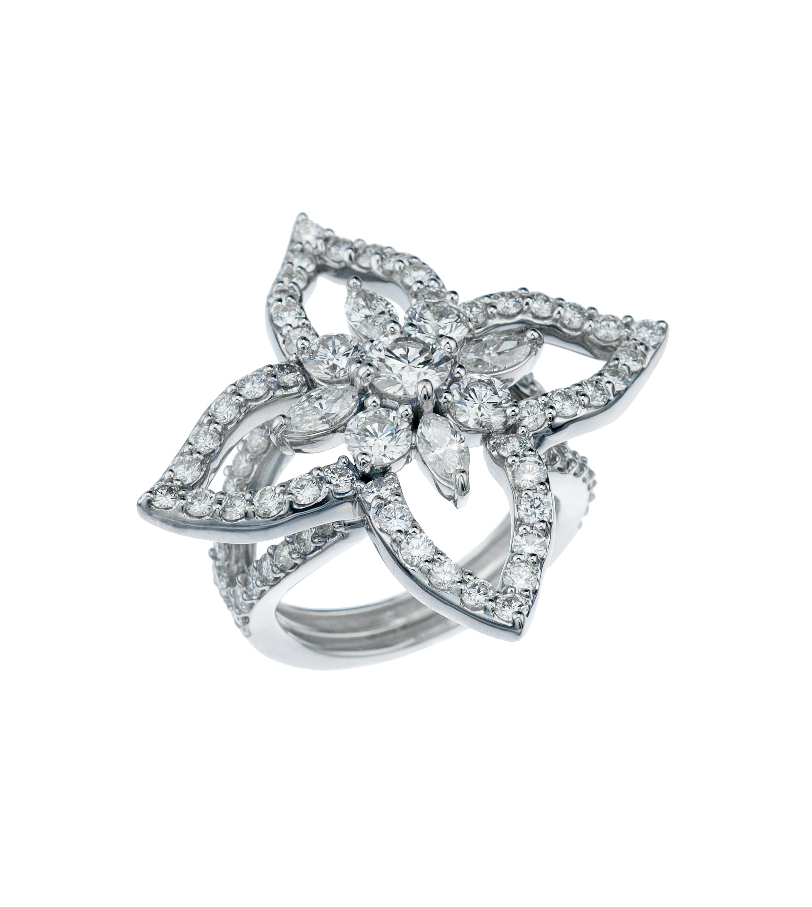 Floral diamond ring in 18-karat white gold