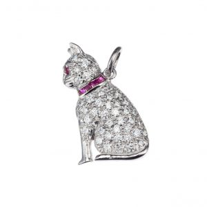 Cat charm with rubies and diamonds in platinum
