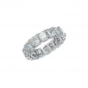 Radiant-cut diamond eternity band