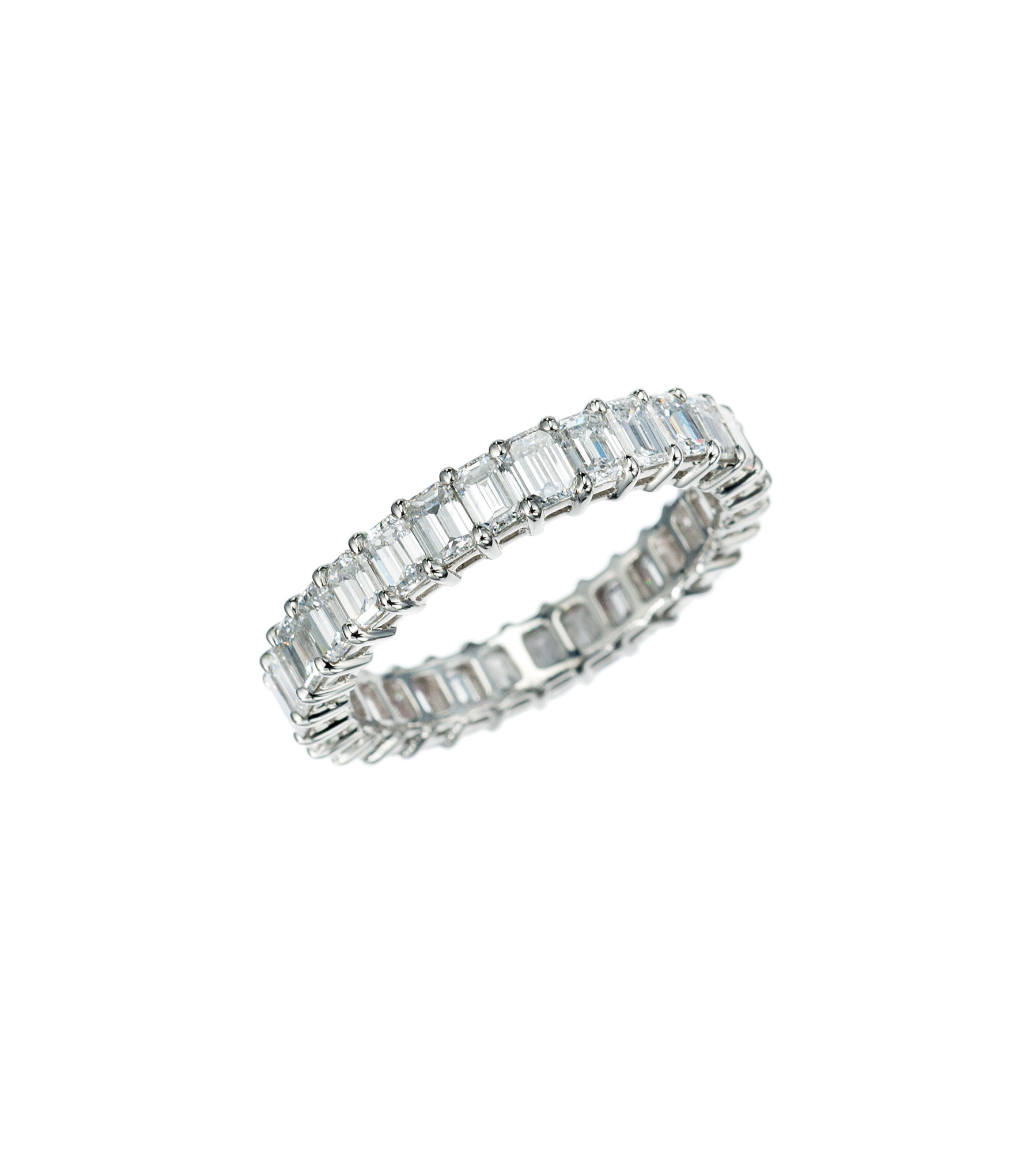 Emerald-cut diamond eternity band