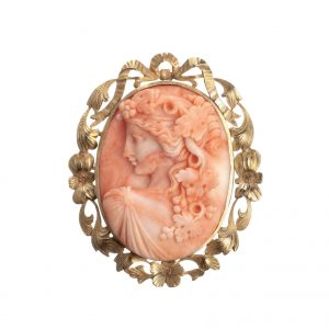 Coral cameo brooch and pendant in 14-karat yellow gold