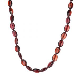 Red garnet bead necklace with 18-karat yellow gold clasp