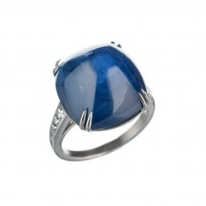Sugarloaf sapphire and diamond ring