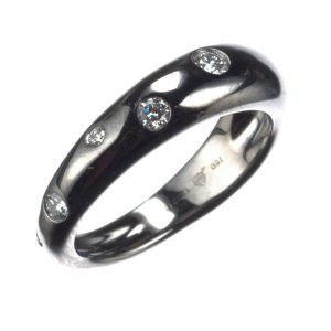 18Kt Dark White Gold And Diamond Cobblestone Ring